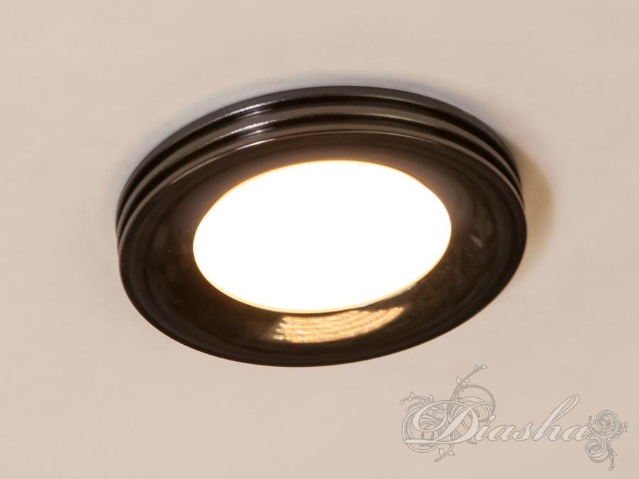 Светодиодный точечный светильник. Светодиодный точечный светильник Всего за 140грн.