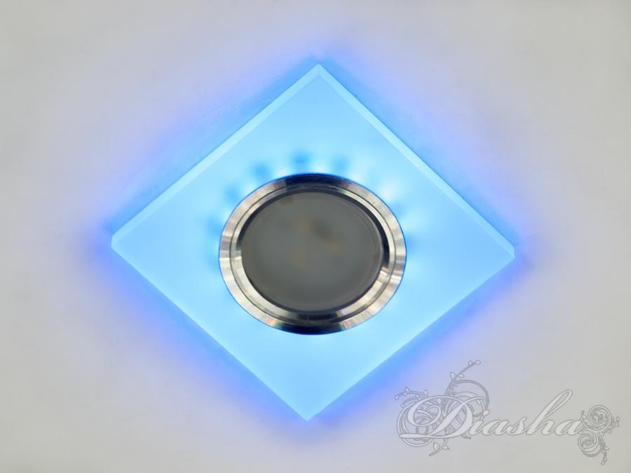 Врезка из акрила даёт равномерный рассеянный свет, можно использовать в сочетании со светодиодными акриловыми люстрами.Точечные светильники помимо основного света лампы MR-16 имеют встроенную светодиодную подсветку белого и синего цвета 3Вт. Вы можете включать по отдельности подсветку и лампу, либо вместе.Подходят для натяжных и подвесных потолков, можно использовать в ванной комнате.Лампа в комплект не входит.
